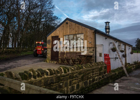 Small farm shop selling brownies, Yorkshire, England - Stock Photo
