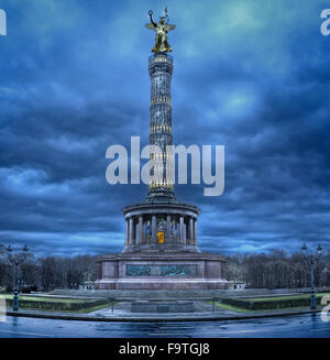 Siegessaeule (Victry Column) alluminated at dawn. Berlin - Stock Photo