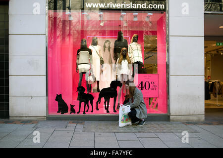 Nottingham,UK.23rd December 2015; Many shops and department stores prepare for Boxing day sales ,many giving 50% - Stock Photo