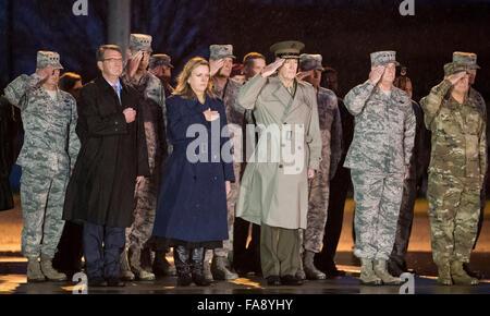New Castle, Delaware, USA. 23rd Dec, 2015. December 23, 2015 : Secretary of Defense Ash Carter, Secretary of the - Stock Photo