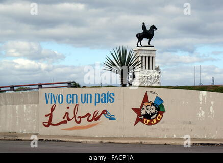 Graffiti on wall in front of monument in honour of General Maximo Gomez, Havana, Cuba - Stock Photo