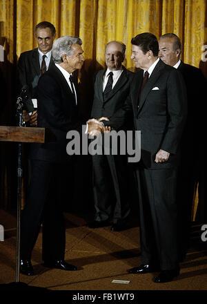 Washington, DC., USA, 17th April, 1986 President Ronald Reagan with Prime Minister Robert Hawke of Australia in - Stock Photo