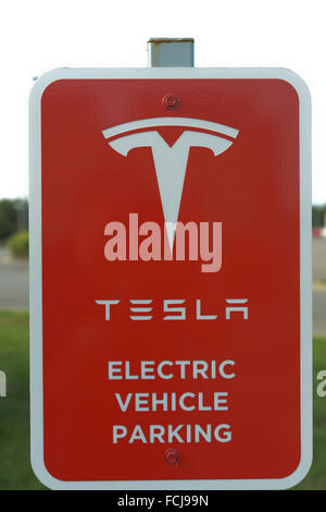 Topeka, Kansas, USA 5th September, 2015 Tesla parking sign at the supercharger station in the Arby's parking lot - Stock Photo