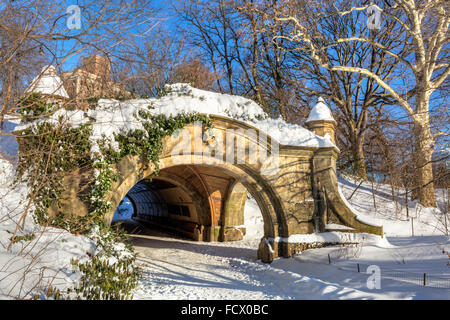 Meadowport Arch stone double arch and tunnel the morning after the blizzard of 2016 in Prospect Park, Brooklyn, - Stock Photo