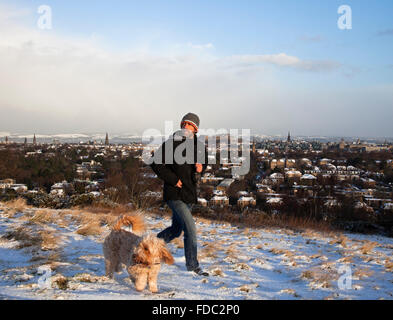 Edinburgh, Scotland UK, 30th January 2016.  First complete cover of snow in the city this winter.  Viewed from Blackford - Stock Photo