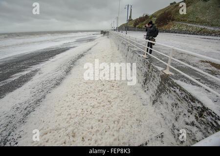 Aberystwyth, Wales, UK. 08th Feb, 2016. Storm Imogen batters Aberystwyth, Wales. Credit:  Paul Williams/Alamy Live - Stock Photo