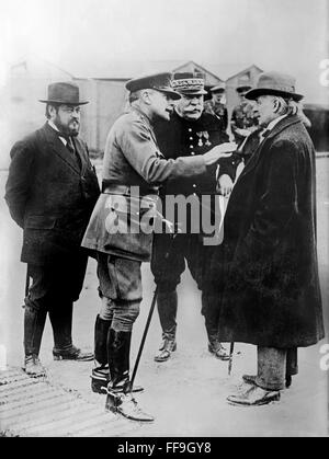 Albert Thomas, French Undersecretary for Munitions; General Douglas Haig, Commander-in-Chief of the British Army; - Stock Photo