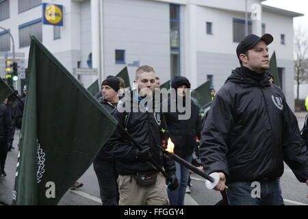 Worms, Germany. 13th February 2016. Protesters march with flags of 'Der III. Weg'. Around 80 members of the right - Stock Photo