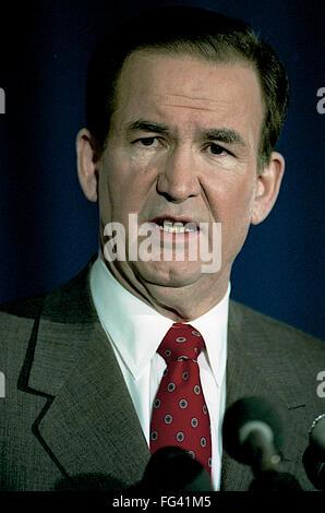 Washington, DC., USA, 19th February, 2-19-1992 Pat Buchanan addresses the CPAC meeting.  Patrick Joseph 'Pat' Buchanan - Stock Photo