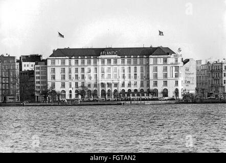 geography / travel historic, Germany, cities and communities, Hamburg, gastronomy, Hotel Atlantic, exterior view, - Stock Photo