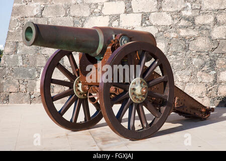 cannon, Castillo de San Gabriel now Museo de historia, promenade Arrecife town, Lanzarote island, Canary archipelago, - Stock Photo