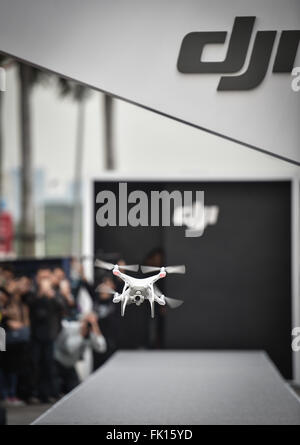 (160305) -- SHENZHEN, March 5, 2016 (Xinhua) -- Photo taken on March 5, 2016 shows a Phantom 4 drone developed by - Stock Photo