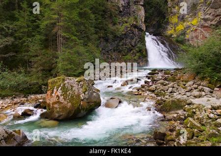 Reinfälle in den Dolomiten, Alpen - Reinfall in Dolomites, Alps - Stock Photo