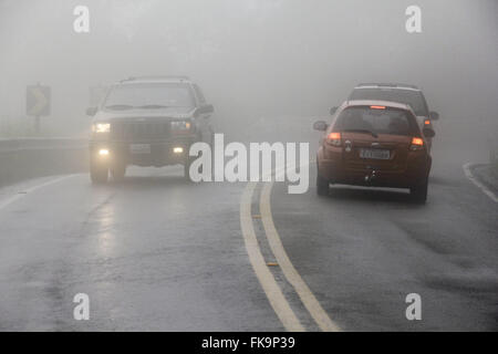Fog on Highway Oswaldo Cruz SP-125 in the hills to Ubatuba - São Paulo north shore - Stock Photo