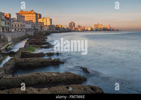 Cuba, Havana, La Habana Vieja district listed as World Heritage by UNESCO, The malecon - Stock Photo