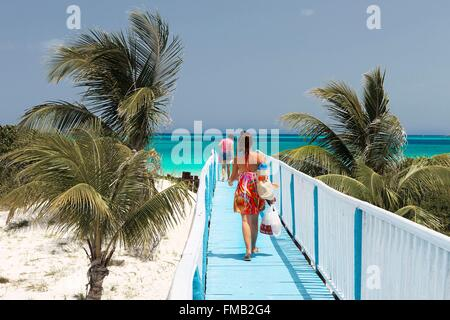 Cuba, Ciego de Avila, Jardines del Rey, Cayo Guillermo, On the way to the beach and turquoise waters - Stock Photo