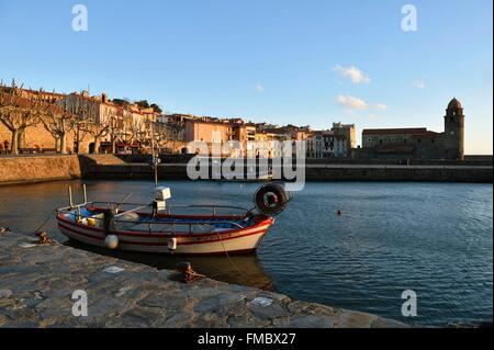 France, Pyrenees Orientales, Collioure, church of Notre Dame des Anges - Stock Photo