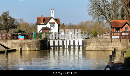 Goring Lock on the River Thames in West Berkshire, England - Stock Photo