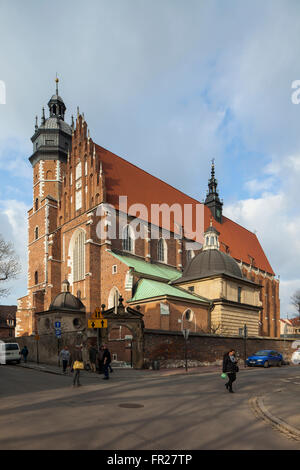 Afternoon at Wolnica square in Kazimierz, historic Jewish quarter in Krakow, Poland. - Stock Photo