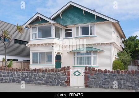 Edwardian seafront house, Esplanade, Sumner, Christchurch, Canterbury Region, South Island, New Zealand - Stock Photo