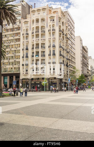 PLAZA INDEPENDECIA, MONTEVIDEO,  URUGUAY - CIRCA DECEMBER 2015. Plaza Independencia is the name of Montevideo's - Stock Photo