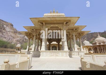 Gaitore Ki Chhatriyan, Jaipur, Rajasthan, India. The cenotaph to the Maharajas of Jaipur - Stock Photo