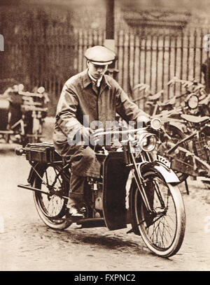 Prince Albert, the future King George VI, on a motorbike at college in Cambridge in 1920 - Stock Photo
