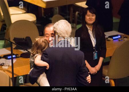 New York, USA. 22nd April 2016. UN Secretary-General Ban Ki-moon embraces US Secretary of State John Kerry and his - Stock Photo