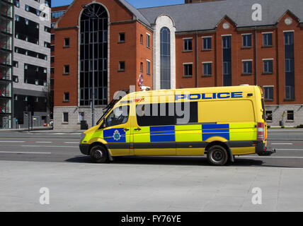 Police Support Unit van; Traffic on 'The Strand' the main highway across the front of Liverpool City, adjacent to - Stock Photo