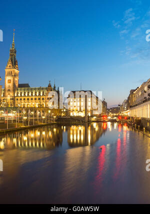 The townhall and the Alsterfleet in Hamburg at nig - Stock Photo