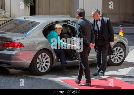 Rome, Italy. 5th May, 2016.  Angela Merkel meets Matteo Renzi at Palazzo Chigi in Rome, Italy. Credit:  Davide Fracassi/Alamy - Stock Photo