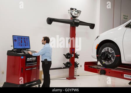 Windsor, Ontario, Canada. 6th May, 2016. The quality control center at Fiat Chrysler Automobiles' Windsor Assembly - Stock Photo