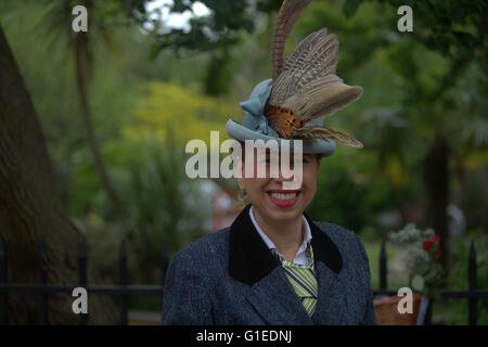 London, UK. 14th May, 2016. The wonderful people with tweeds took to the streets of London today to celebrate the - Stock Photo