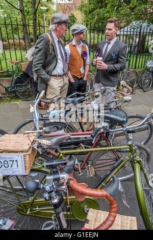 London, UK. 14th May, 2016. The Tweed Run, a very British public bicycle ride through London's streets, with a prerequisite - Stock Photo