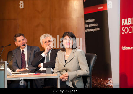London, UK. 21st May, 2015. Seema Malhotra Labour MP for Feltham and Heston addresses the Fabian summer Conference - Stock Photo