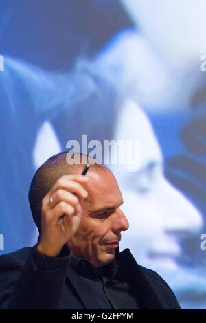 London, England. 28th May 2016. Former Greek finance minister Yanis Varoufakis reflects while listening at the Vote - Stock Photo