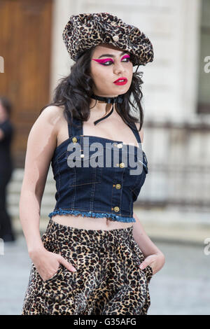 London, UK. 7 June 2016. Charli XCX. Celebrities and VIPs arrive for the Royal Academy of Arts Summer Exhibition - Stock Photo