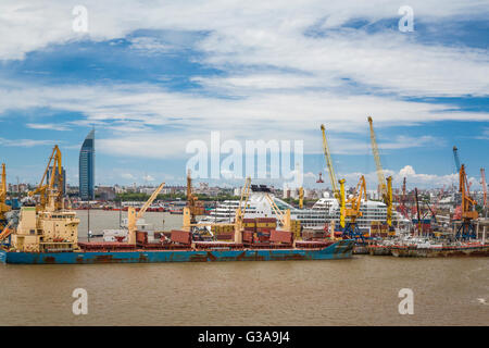 The port in Montevideo, Uruguay, South America. - Stock Photo