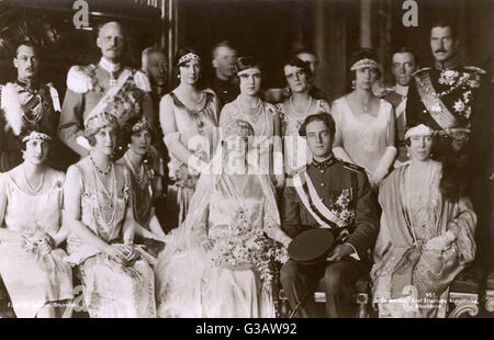 The official group wedding photograph (taken on 10th November 1926) of Princess Astrid of Sweden, born Astrid Sofia - Stock Photo