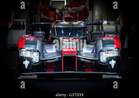 Le Mans Circuit, Le Mans, France. 15th June, 2016. Le Mans 24 Hours Practice and Qualifying. Audi Sport Team Joest - Stock Photo