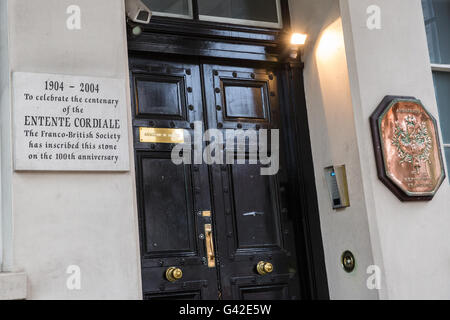 London, UK. 18th June, 2016. The French embassy in London. Credit:  Mark Kerrison/Alamy Live News - Stock Photo