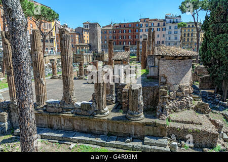 Archaeological excavations of ancient buildings in the center of Rome - Stock Photo