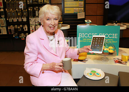 EE Techy Tea Party at Westfield - London - Stock Photo