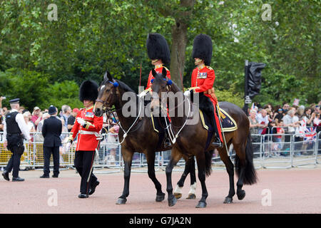 The queens Life guards, Household Cavalry London - Stock Photo