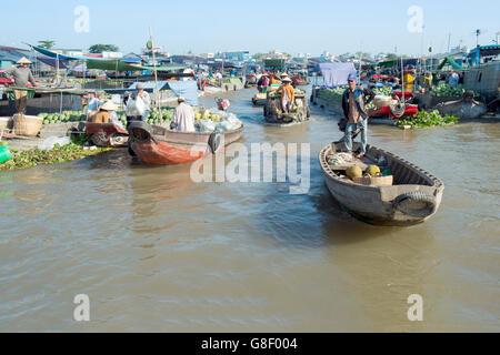 Cai Rang floating market, Cai Rang district, Can Tho, Mekong Delta, Vietnam - Stock Photo