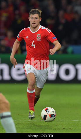 Lille Metropole, France. 01st July, 2016. Ben Davies of Wales controls the ball during the UEFA EURO 2016 quarter - Stock Photo