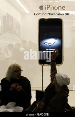 Fans wait 24 hours for new iPhone - Stock Photo