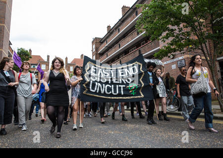 London, UK. 9th July, 2016. Feminist direct action group Sisters Uncut march through a housing estate in Hackney - Stock Photo