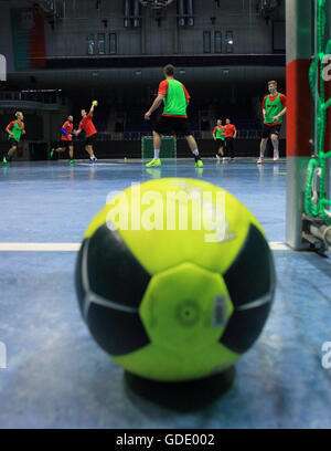Magdeburg, Germany. 15th July, 2016. Players with the Bundesliga handball club SC Magdeburg during the SCM kick - Stock Photo