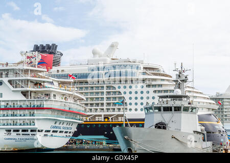 Disney Dream and Carnival Fascination docked in Nassau, Bahamas - Stock Photo